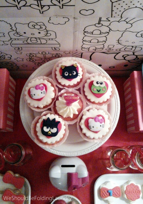 hello kitty & friends cupcakes